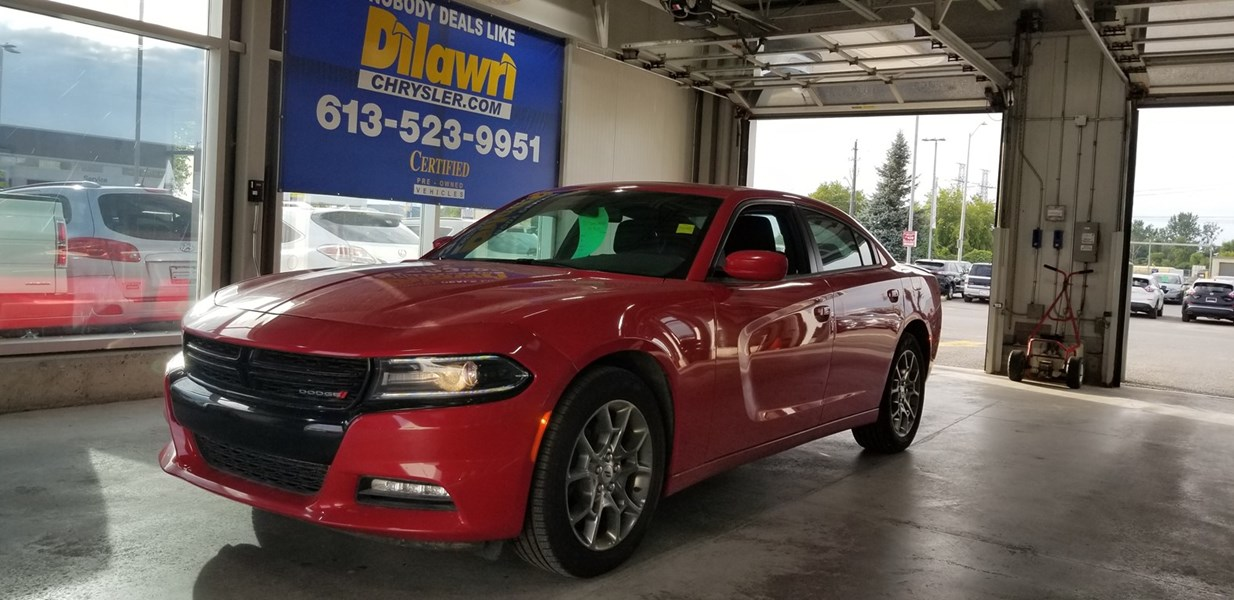2017 Dodge Charger AWD SXT w/ Navigation, Sunroof