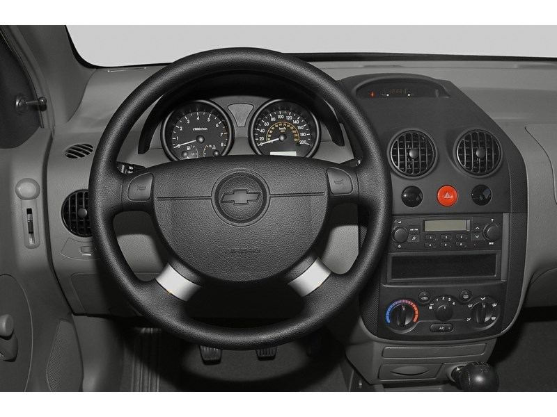 2007 Chevrolet Aveo 5 LT Interior Shot 3