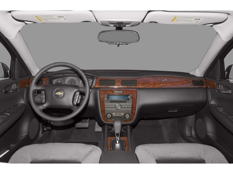 2010 Chevrolet Impala LT Interior Shot 7