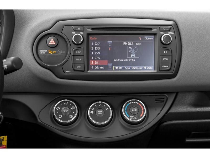 "2018 Toyota Yaris LE AUTOMATIC *LOWEST PRICE IN OTTAWA"" Interior Shot 2"