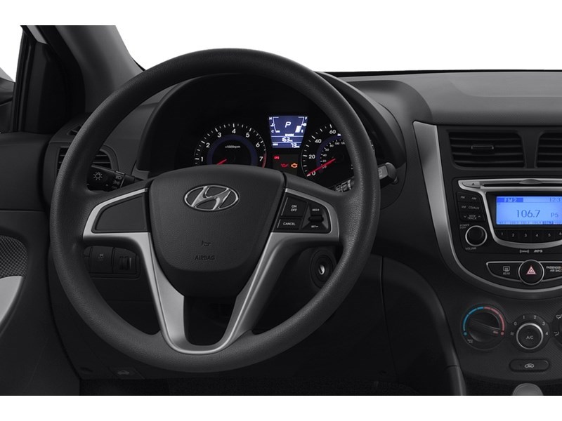 2013 Hyundai Accent GL  ***QUICK SALE*** Interior Shot 2