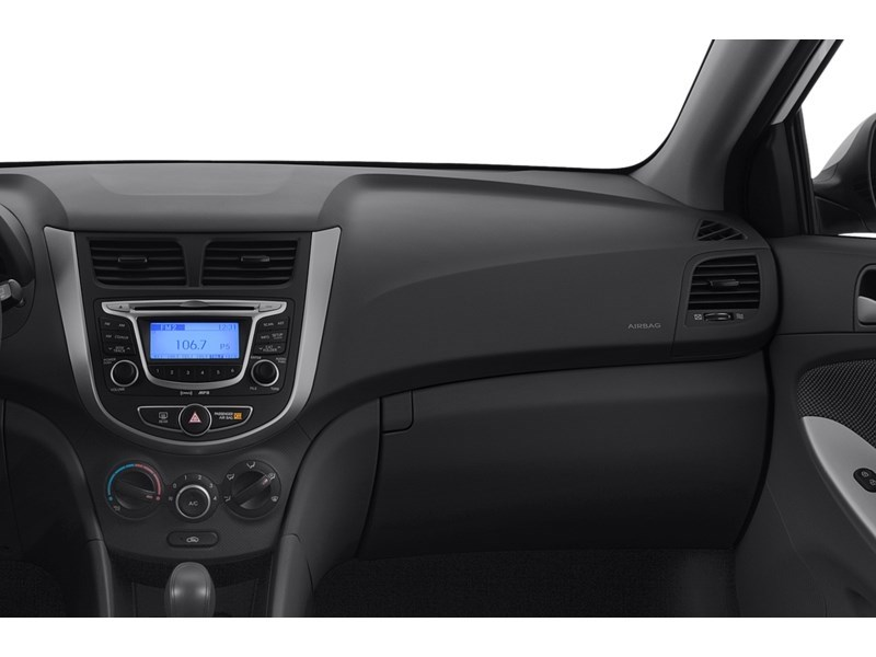 2013 Hyundai Accent GL  ***QUICK SALE*** Interior Shot 1