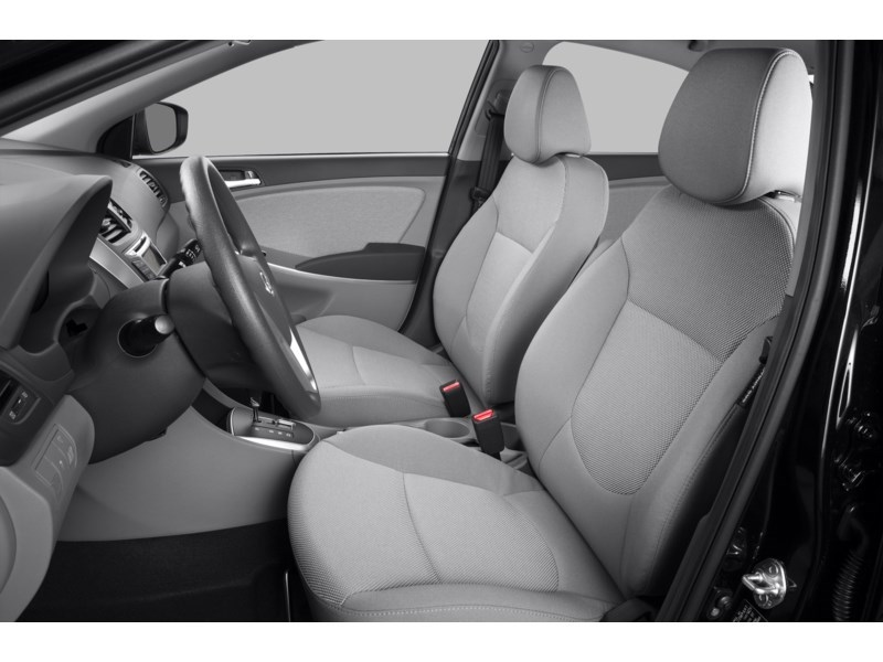 2013 Hyundai Accent GL Interior Shot 4