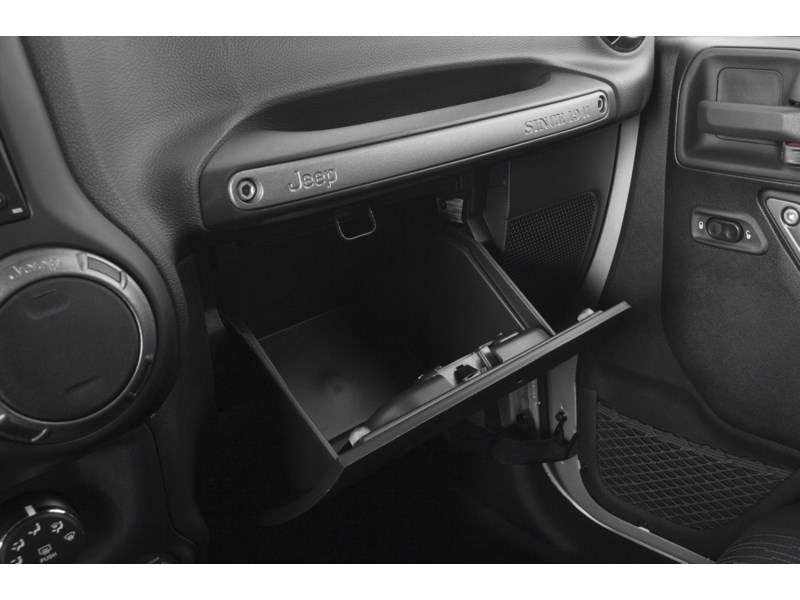 2015 Jeep Wrangler Unlimited Sport Interior Shot 4