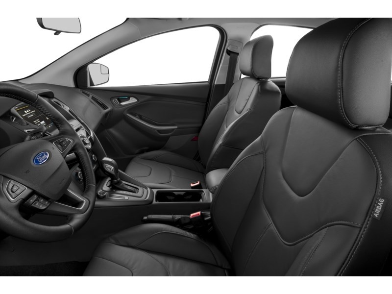 2015 Ford Focus SE Interior Shot 4