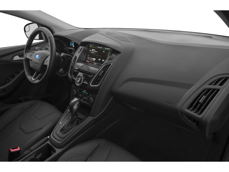 2015 Ford Focus SE Interior Shot 1