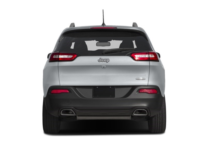 2016 Jeep Cherokee North Exterior Shot 8