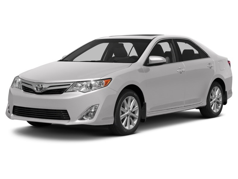2012 Toyota Camry LE Alpine White  Shot 11